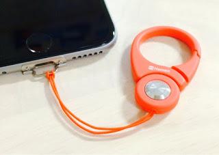 iPhone本体にストラップをつける方法