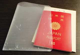 パスポートと航空券の持ち運びに最適なクリアファイル活用術
