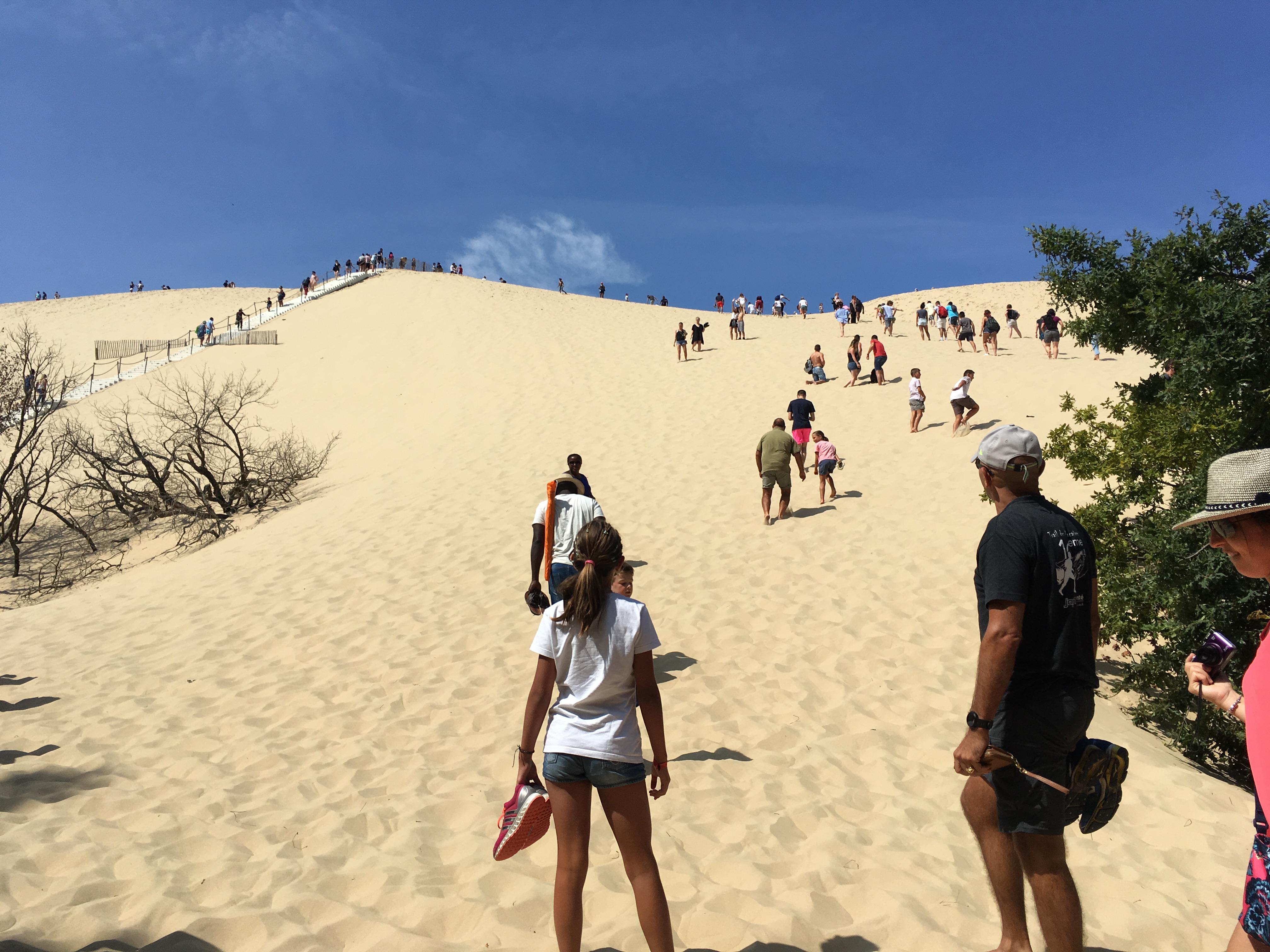 フランスの秘境「ピラ砂丘Dune du Pilat」への行き方を詳しくガイドします